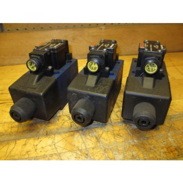 Rexroth 4WE10D40/CW110N9DK25L/V Hydraulic Directional Valve R978913298 #3 image