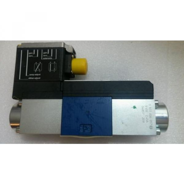 *NEW* Italy Greece BOSCH REXROTH 0811404153 Proportional Solenoid Actuated Directional Valve. #1 image