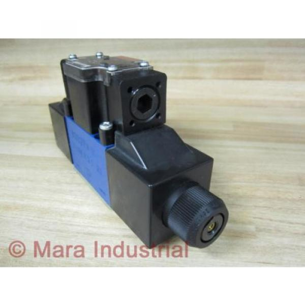 Rexroth Bosch R978030933 Valve 4WE6D62OFEW110N9DALB10V62CSA - origin No Box #4 image