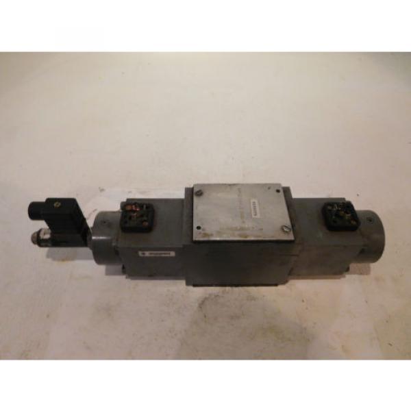 Rexroth 4WRE10E64-12/24Z4/M Hydraulic Proportional Valve D05 #1 image
